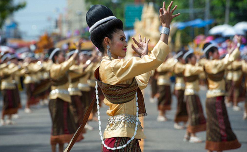 Фестиваль «Тхунг Си Мыанг» в Удон Тхани 218901f8cf6b6ce700d2ce84d01dc1fd.jpg