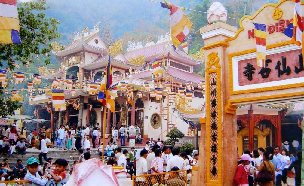 Фестиваль горы Нуи Ба Ден в Тэйнинь 2615f1b77b672bd65e88510f22b9df4f.jpg