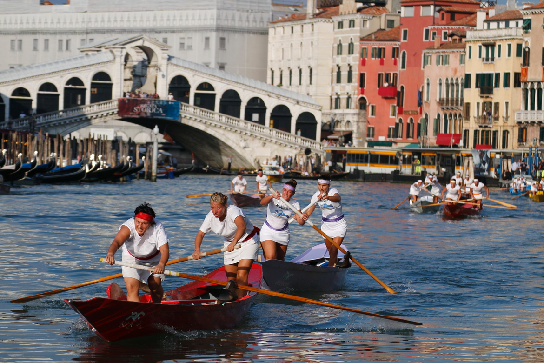 Историческая регата в Венеции 26e3c9b87cc057e16440cf253a754b55.jpg