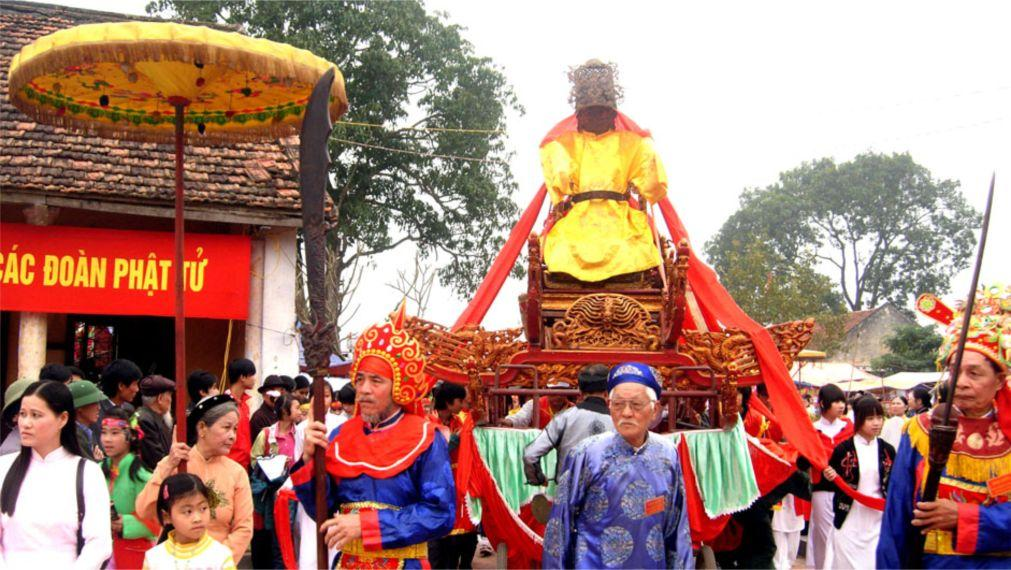 Фестиваль Чу Донг Ту  в Хынг Йен 29b16a7c668737d79b44c8123bf75a54.jpg