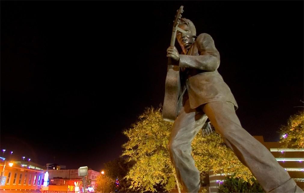 Фестиваль «Неделя Элвиса» в Мемфисе 2d67f877e56d7cf8af0a12060ebe75b4.jpg