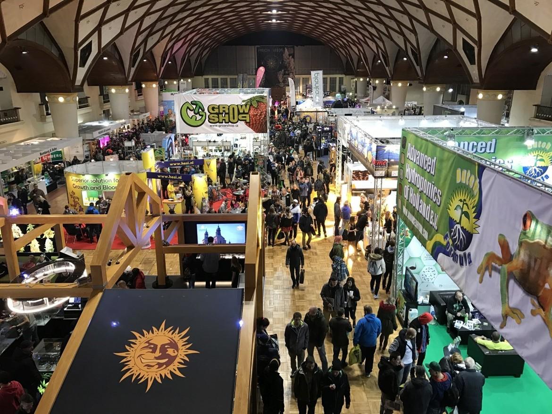 Международная ярмарка конопли Cannafest в Праге 31b9797e774c69a612b58ab161ea906c.JPG
