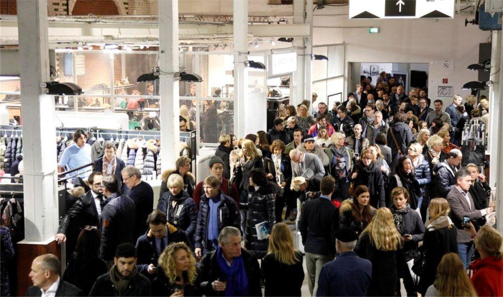 Выставка моды Tranoi В Париже 347cbd05aa907794904aa13f2235f18d.jpg