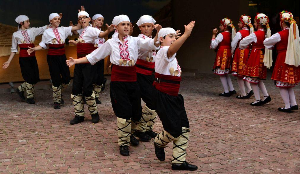 Праздник молодого вина в Пловдиве 3521f034c9ccc4ac6b16a613f9d695e3.jpg