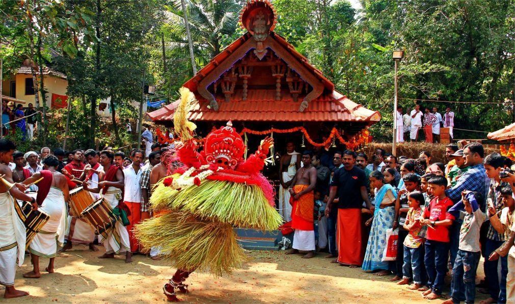 Фестиваль Тейям в Керале 399f831a1d908825a6c488bbb6bdcdb3.jpg