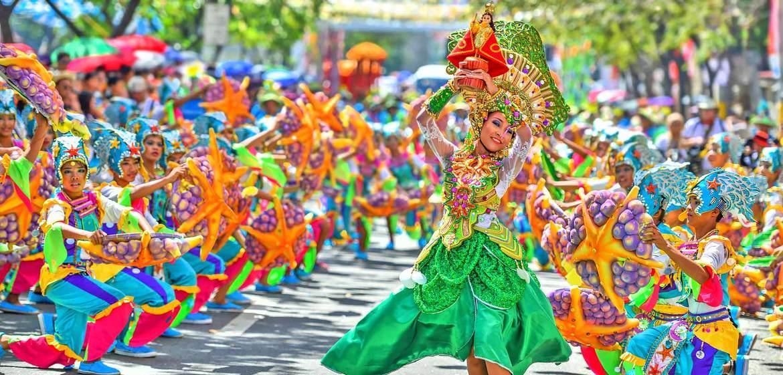 Фестиваль Синулог в Себу 3ac09e545ce3f8f350294d7fdb862e61.jpg