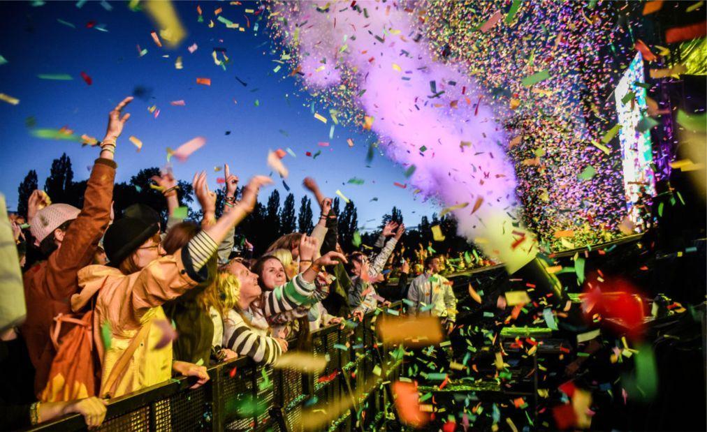 Музыкальный фестиваль «Colours of Ostrava» в Остраве 3bbe0ad133f88b12c5c2f39b9b82bfe5.jpg
