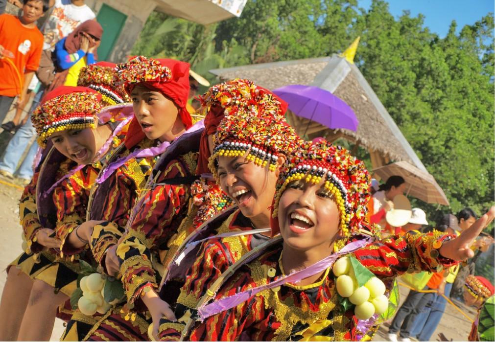 Фестиваль лонгконга в Мамбахао 3c5d123d0c36ee34701297dd8d7175fb.jpg