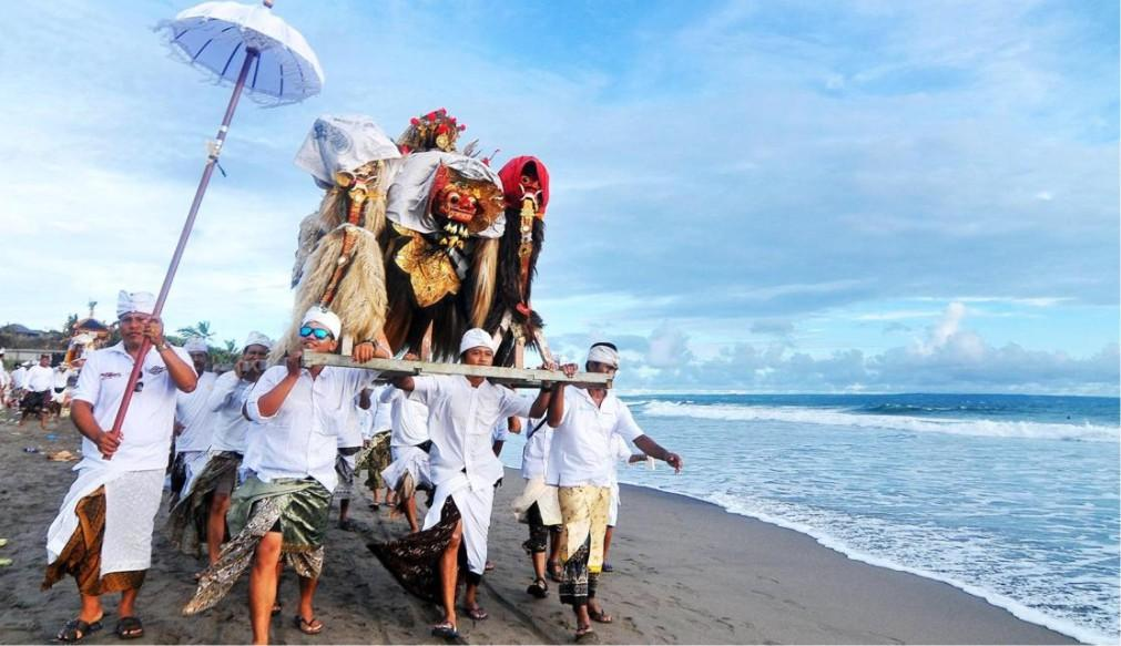 Балийский Новый год Ньепи 3cb84c605a55a10c8892cc5168d3ad6a.jpg