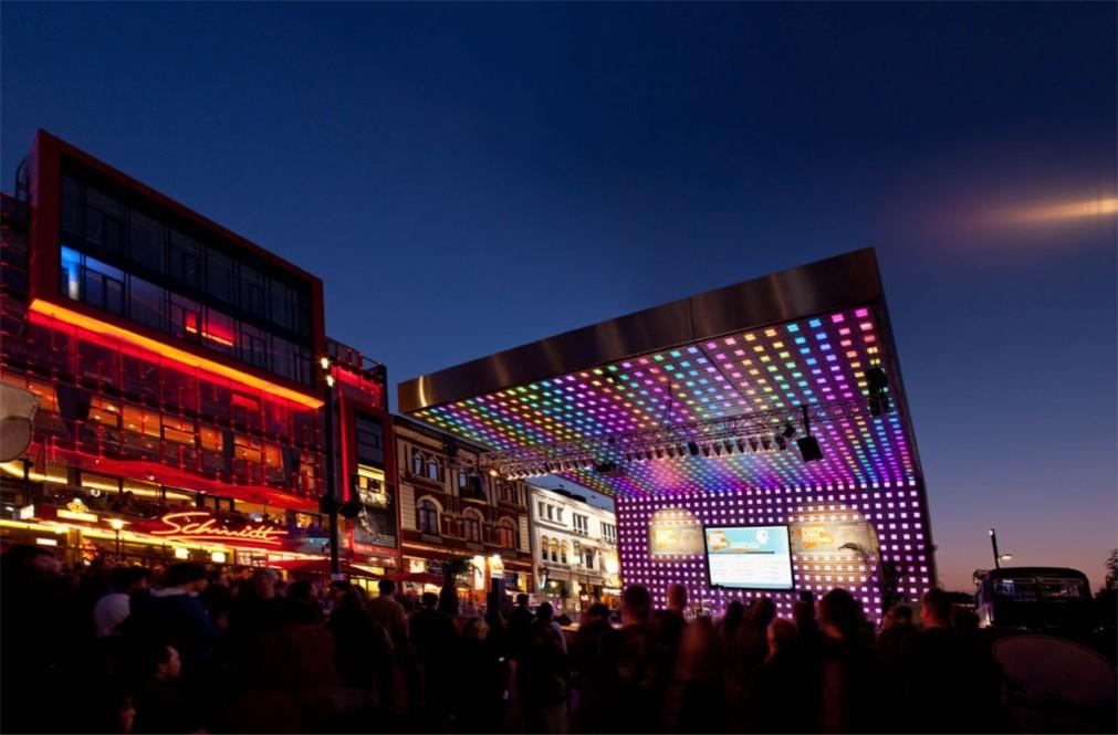 Музыкальный фестиваль «Репербан» в Гамбурге 3e94e9ee52cba257f20edabd915897e4.jpg