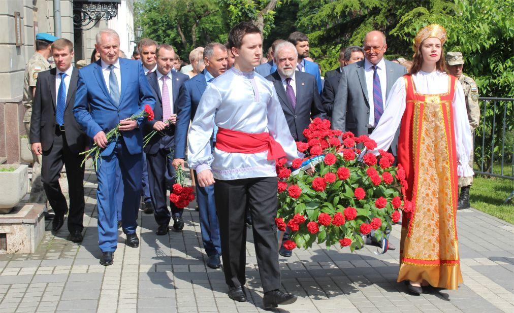 Международный фестиваль «Великое русское слово» в Крыму 3f05ae7f683fe76b22359a5c58e15501.jpg