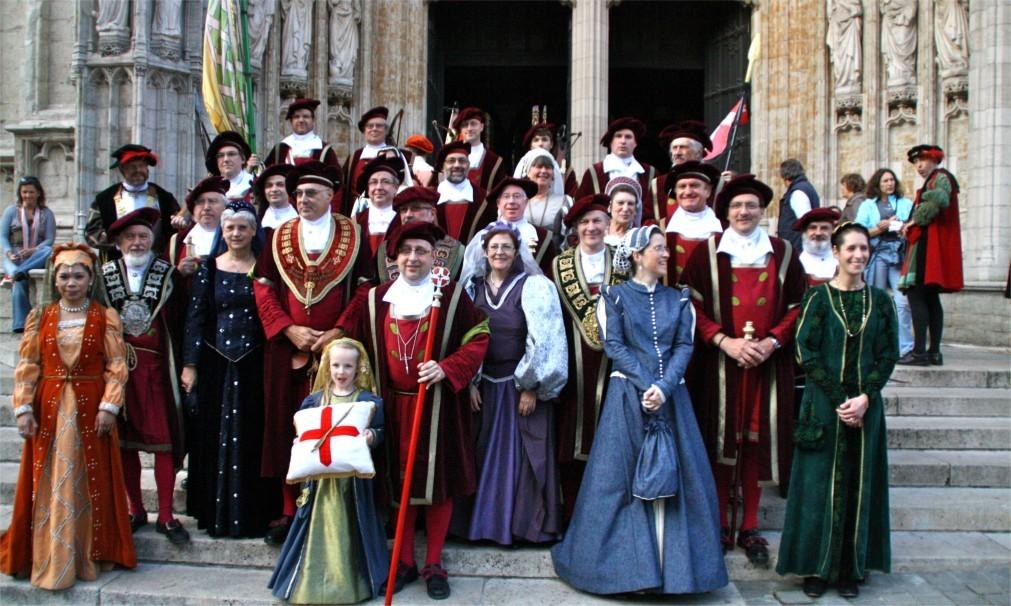 Историческое шествие «Оммеганг» в Брюсселе 49e7e85d9bd6db89dab4b342c61eb31d.jpg