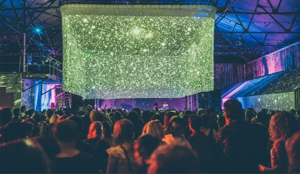 Международный фестиваль психоделической музыки в Ливерпуле 4dc80cc31385f9cc5f95c27fdd820da3.jpg