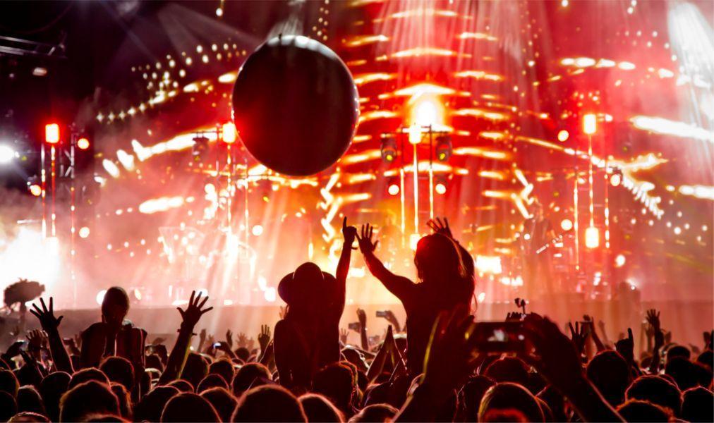 Музыкальный фестиваль Lollapalooza в Берлине 4f3fdebc6195a55931e0dd53596bcf9c.jpg