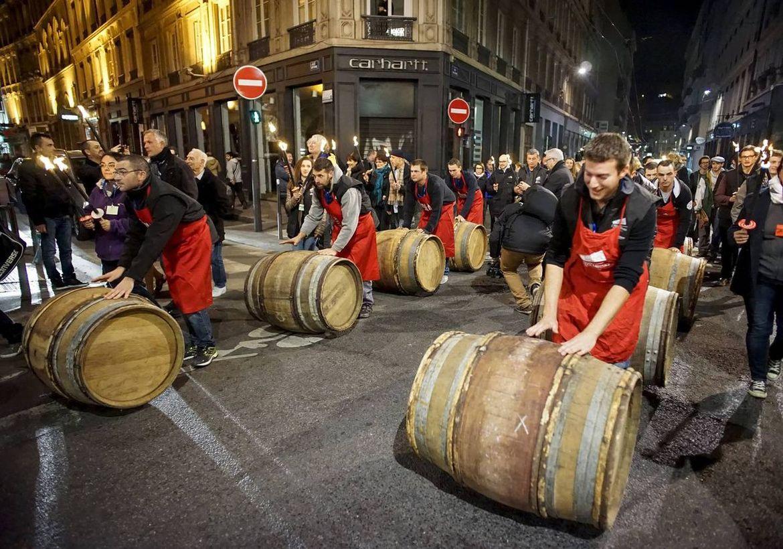 Праздник молодого вина Божоле-нуво во Франции 50d5584e178e58536a3db252cf05d632.jpg