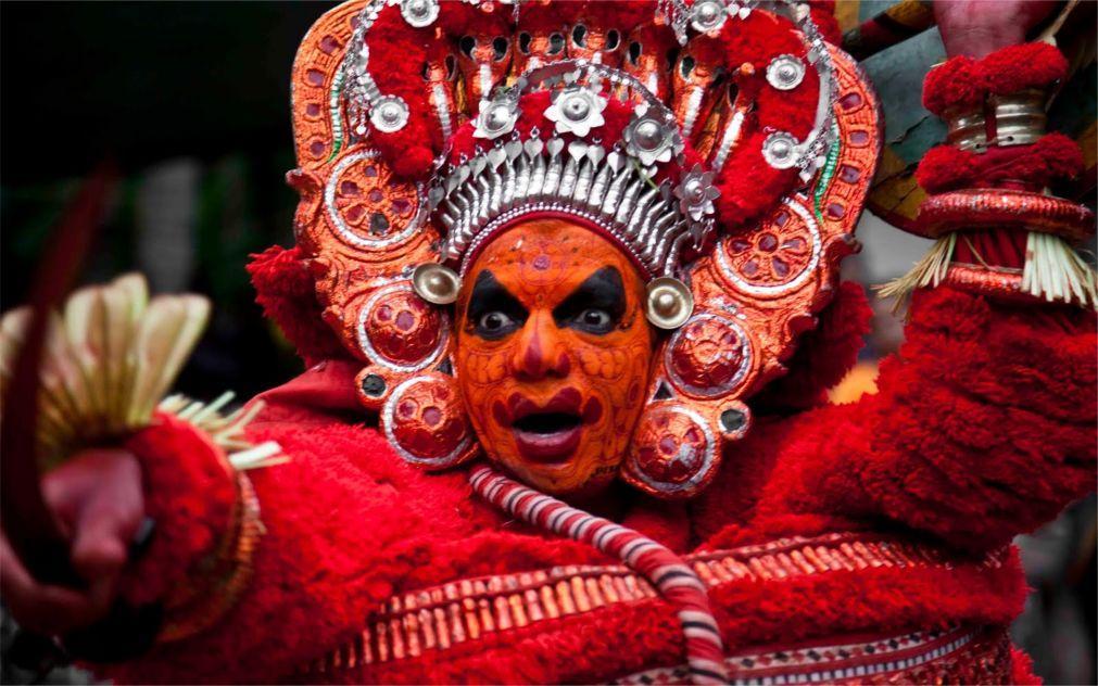 Фестиваль Тейям в Керале 51000f954357b2bce2d0c42dd3b3b84b.jpg