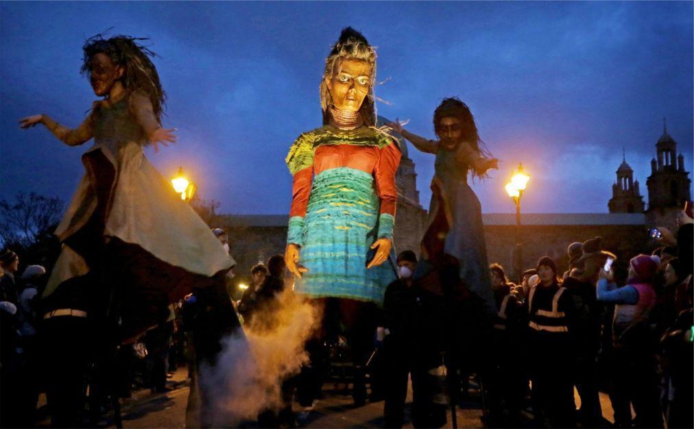 Хэллоуинский парад «Макнас» в Голуэе 559fb6dc4966d0fbc4abbc979116241f.jpg