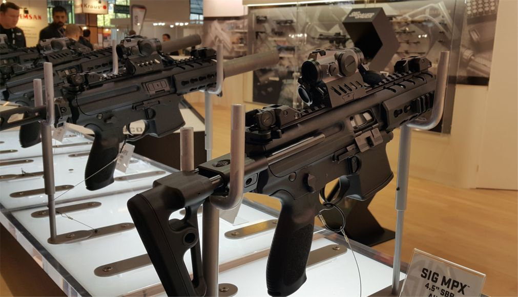 Международная оружейная выставка Eurosatory в Париже 583351bd677e901b6dde0c6320f9a25d.jpg