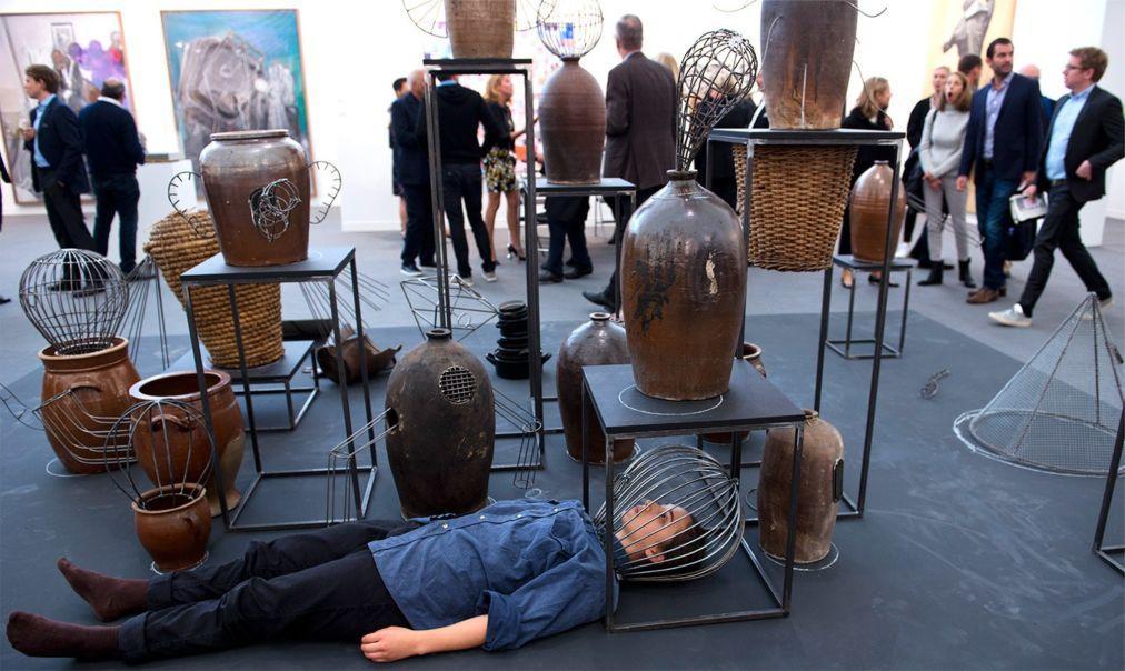 Ярмарка современного искусства Frieze Лондоне 5a307a0cf6a60443565bd1f24d12a45e.jpg