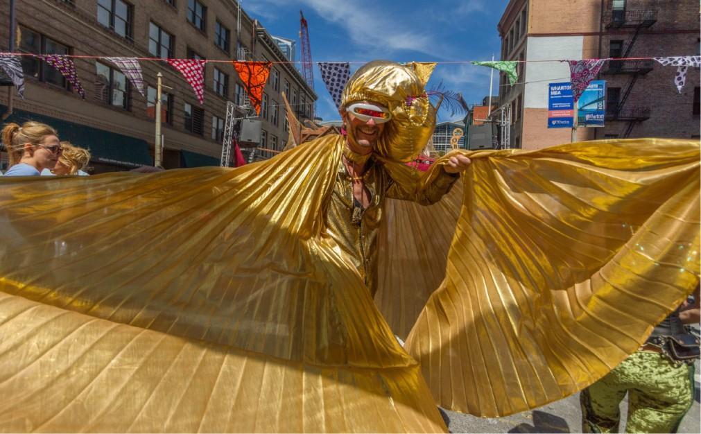 Уличный фрик-фестиваль How Weird Street Faire в Сан-Франциско 5c04b475238a8d4648cebda2aef3a5ba.jpg