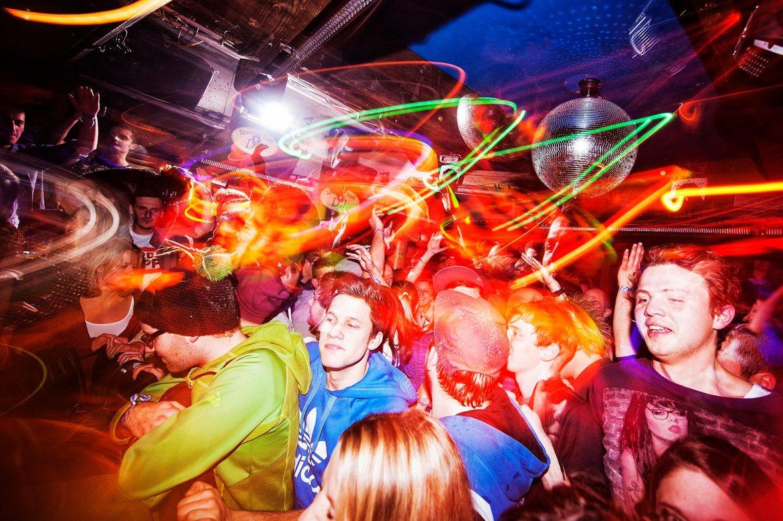Рок-фестиваль BERGFESTival в Заальбах-Хинтерглемме 5c0c44f13a3f422c592b4350d660ce18.jpg