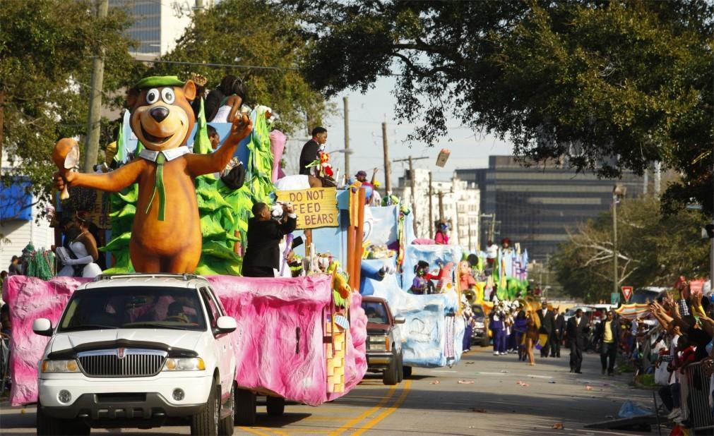 Карнавал Марди Гра в Мобиле 5c1fff796cb3abd175832b3208679404.jpg