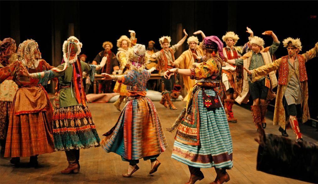 Шекспировский фестиваль в Стратфорде 5e607cf508cb1a7692383221c1be1414.jpg