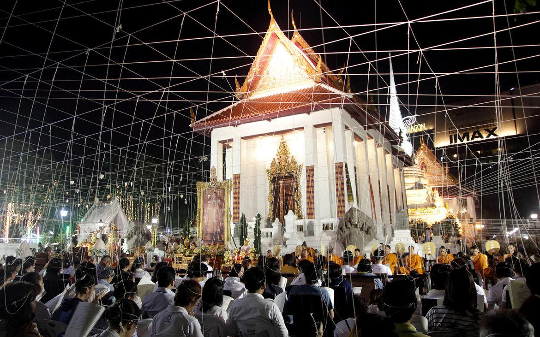 Новогодние молитвы в буддийских храмах Бангкока 5e90990f54698bc5743bebabfe61f7f1.jpg