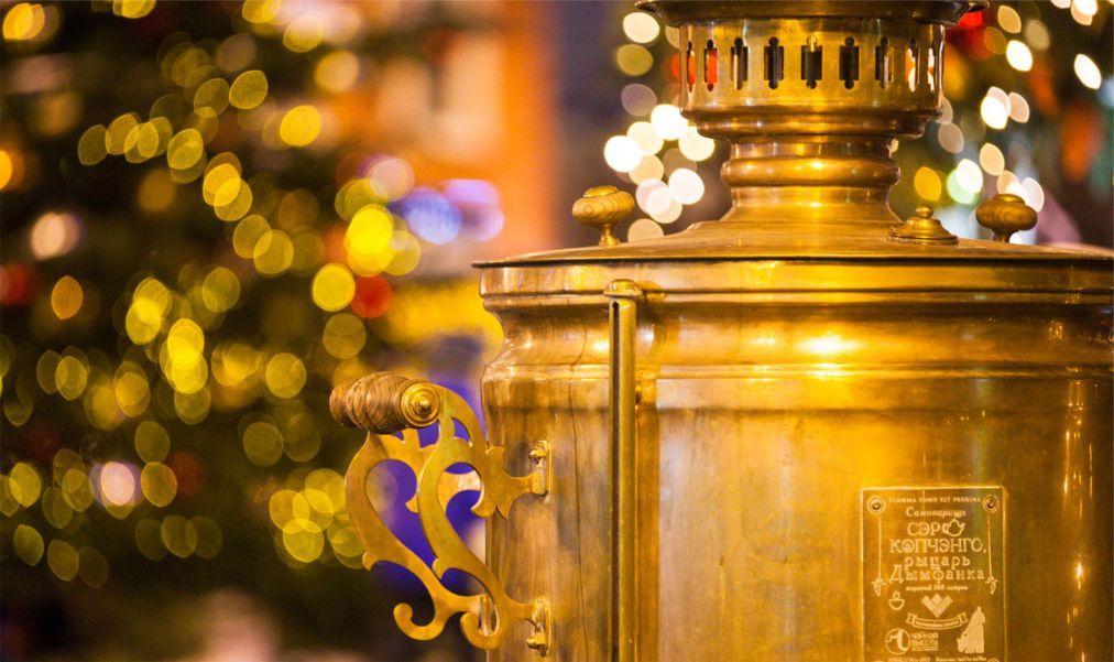 Рождественская ГУМ-ярмарка на Красной площади в Москве 60c58432b638fb81d8330d2053eb2614.jpg