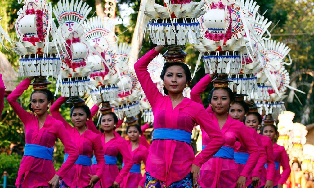 Фестиваль искусств Бали в Денпасаре 60f200a6c9417d9f1590c4d6bb5ff322.jpg