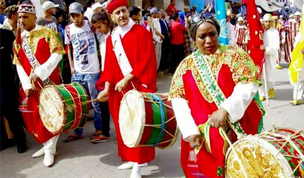 Фестиваль гнауа и этнической музыки в Эссуэйре 61b9e8ba7d5333b9a21a1d27e8b05b33.jpg