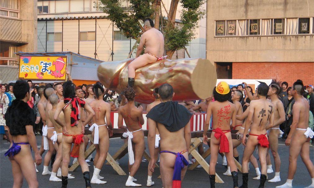 Праздник пениса Канамара Мацури в Кавасаки 6714ef19809f2f5a579af70a63332510.jpg