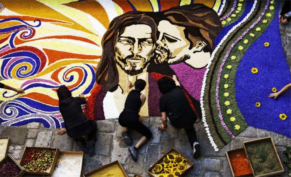 Фестиваль цветов Инфиората в Италии 67ef23cfe0371d1c0b73c885f376eda6.jpg
