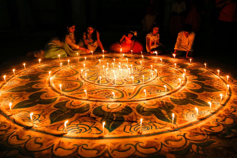 Праздник Дивали в Индии 68c95d3602d4b029bc44c930e0258911.jpg