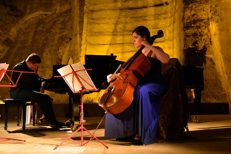 Международный фестиваль классической музыки в Гюмюшлюке 69dbba408eaff9010f6080927d22e88a.jpg