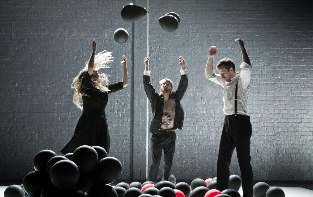 Фестиваль современного танца «Moving in November» в Хельсинки 6d40e9a59f90b2dff53dae51df65f1ad.jpg