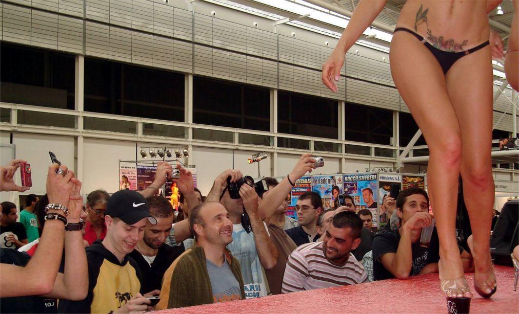 Международная выставка Salon Erotico в Барселоне 6dc2431753bda31d2d52f97d455f4927.jpg