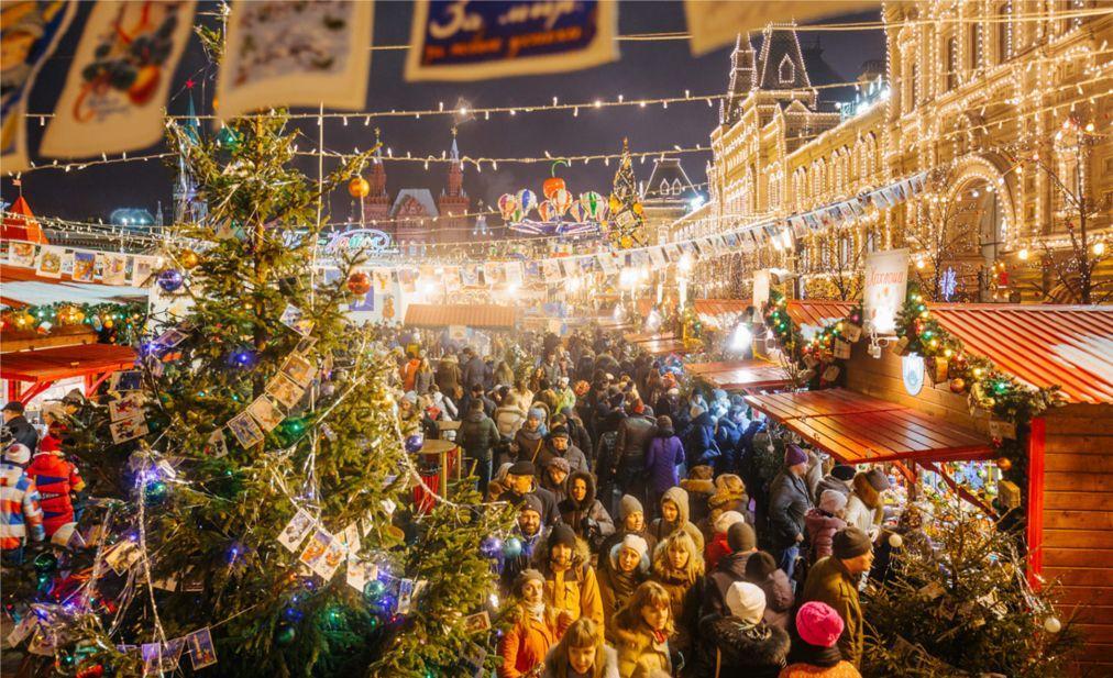 Рождественская ГУМ-ярмарка на Красной площади в Москве 6e17d3677cec09d819109db8e8359b4b.jpg