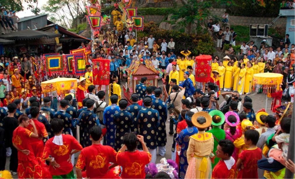 Фестиваль горы Нуи Ба Ден в Тэйнинь 7240473fa4d83c8d3cf6f7b95056caf1.jpg
