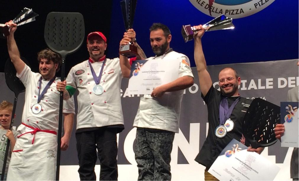 Мировой чемпионат пиццы в Парме 738a10431dd8b8f1c1d4572d9615d83e.jpg