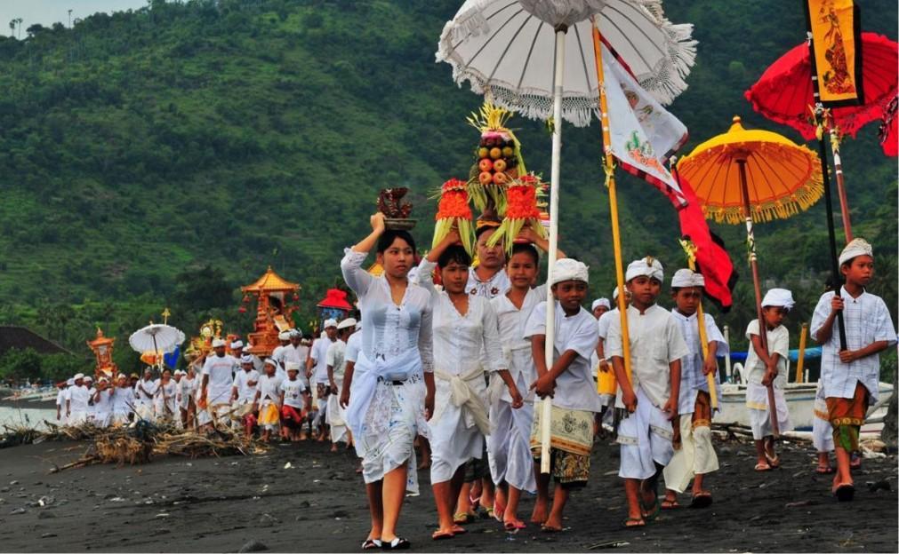 Балийский Новый год Ньепи 7556b8063ee4417db3078c7e9d6e2cbc.jpg