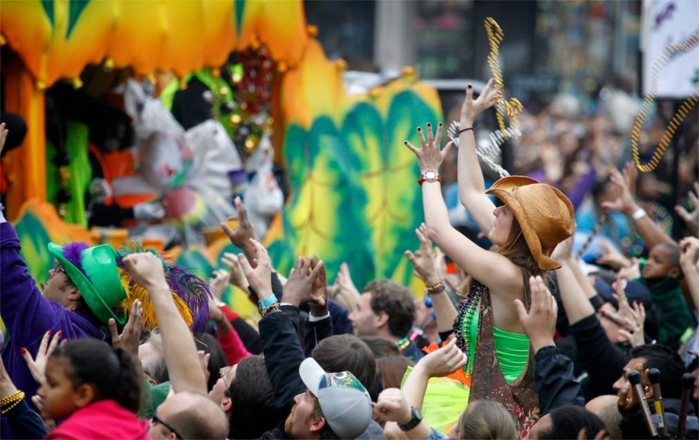 Карнавал Марди Гра в Мобиле 75911699820d21ce814f138a8edfb15c.jpg