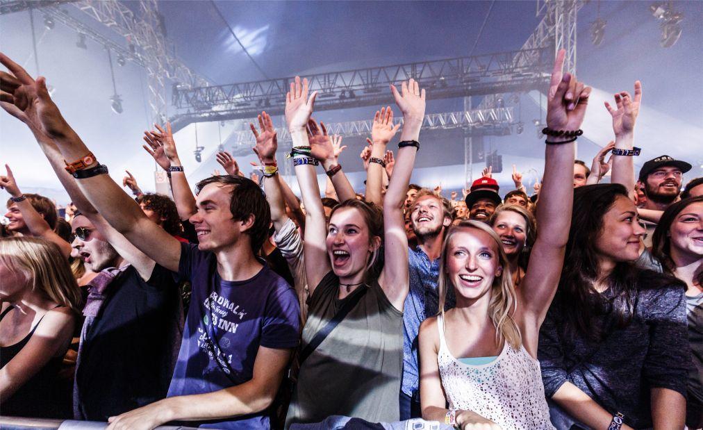 Музыкальный фестиваль «Lowlands» в Биддингхёйзене 78fe95dec7cd03cb7ba577df0bc930fb.jpg
