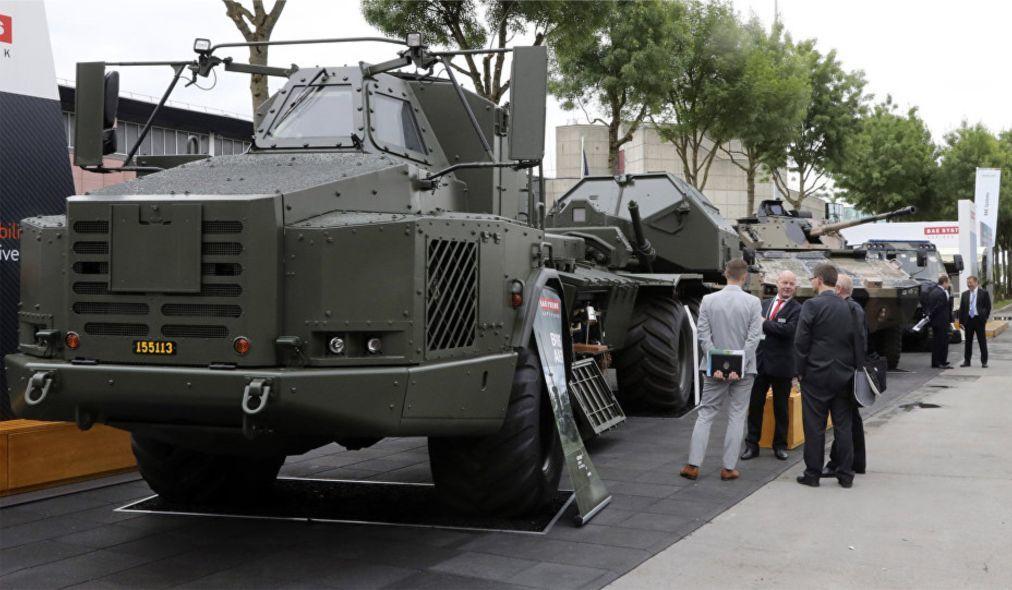 Международная оружейная выставка Eurosatory в Париже 7984107185409624abdd5a02262328e2.jpg