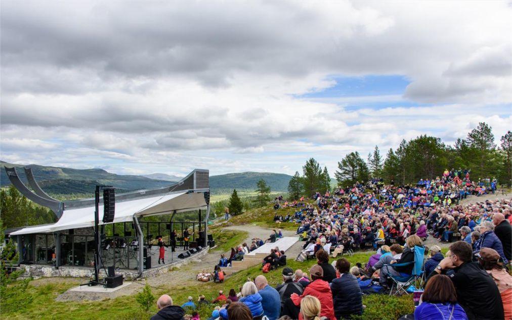 Фестиваль Пера Гюнта в Норвегии 79d5bb844319670e2da179ffd0fa3c30.jpg