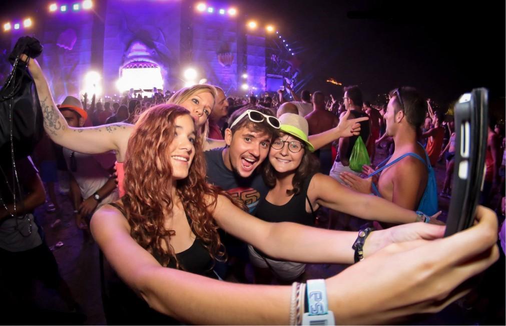 Музыкальный фестиваль Medusa Sun Beach в Валенсии 7c3ac05d8930333eef1f5bad5b78c93c.jpg