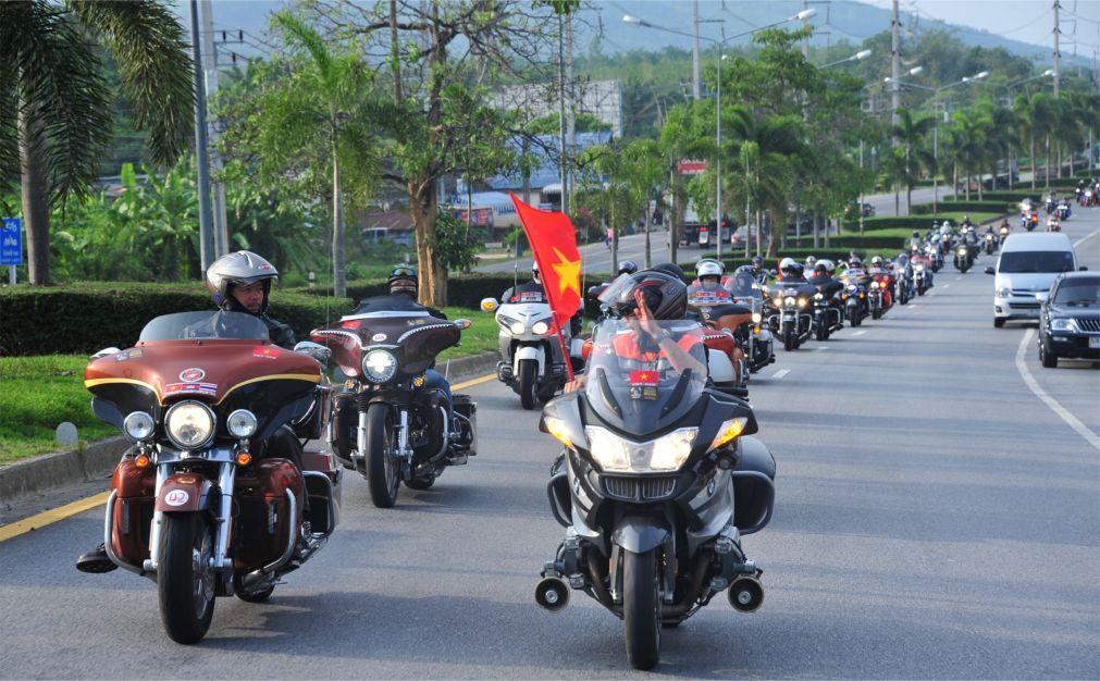 Мото-фестиваль Phuket Bike Week на Пхукете 7e2a3200c8e3a985119ab2e3b4d6e469.jpg