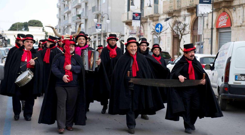 Карнавал в Путиньяно 7e49f8159832200a3aa3b3f14d31c1d5.jpg