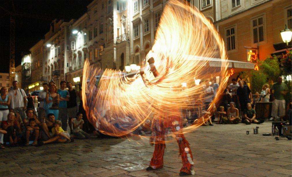 Фестиваль искусств Pflasterspektakel в Линце 7ea2c836823a58610081669349e5b6f4.jpg