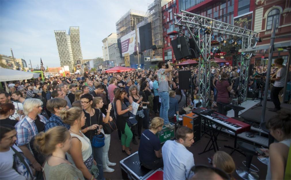 Музыкальный фестиваль «Репербан» в Гамбурге 82174e49cee64b448a6b53452699dd21.jpg